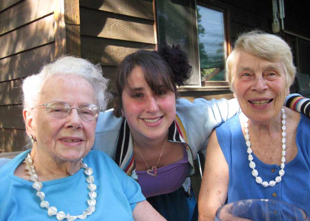 Ruth, Becca, Nina Furniss (Jennifer's mother)